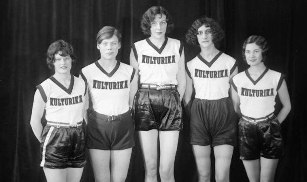 Eva Dawes Spinks, second from right, with Canada's female team at the Millrose Games in 1930