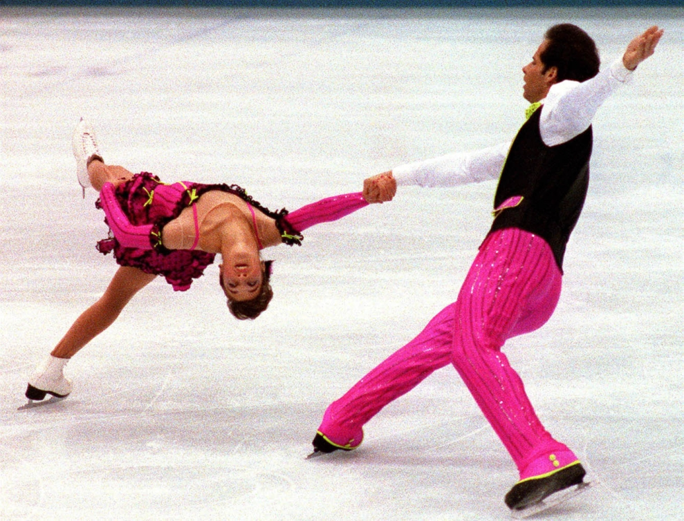Eisler, Lloyd  and Brasseur, Isabelle skating