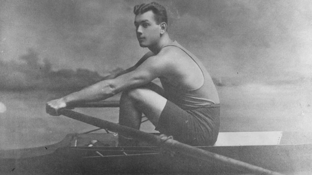 Lou Scholes rowing
