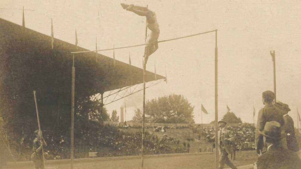 Victor Pickard competing in pole vault at Paris 1924