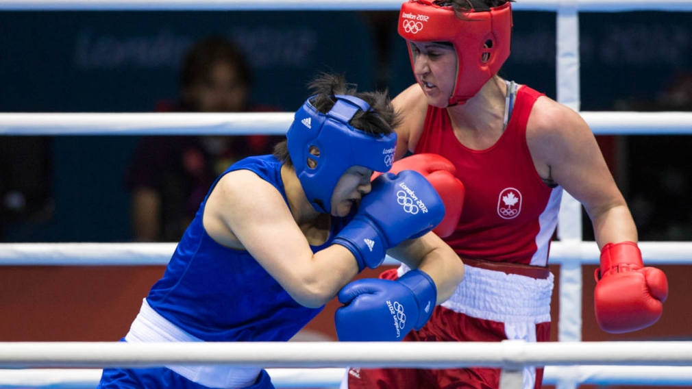 Mary Spencer fighting at London 2012