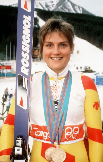 Karen Percy poses with her bronze medals at Calgary 1988