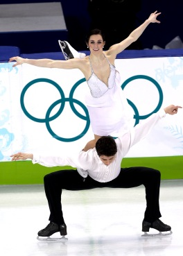 Tessa Virtue and Scott Moir perform the 'Goose Lift' during their free dance routine at Vancouver 2010. Photo: Mike Ridewood