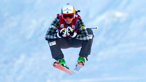 Marielle Thompson racing to a World Cup gold (Photo: CP)