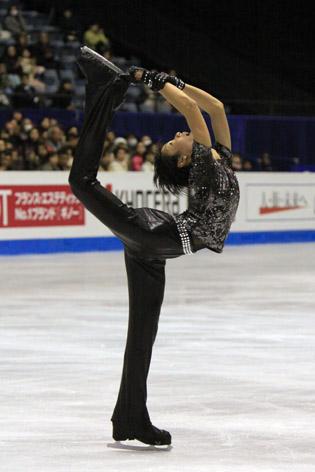 Yuzuru Hanyu adds on a Biellmann spin (Photo credit: Wikipedia)