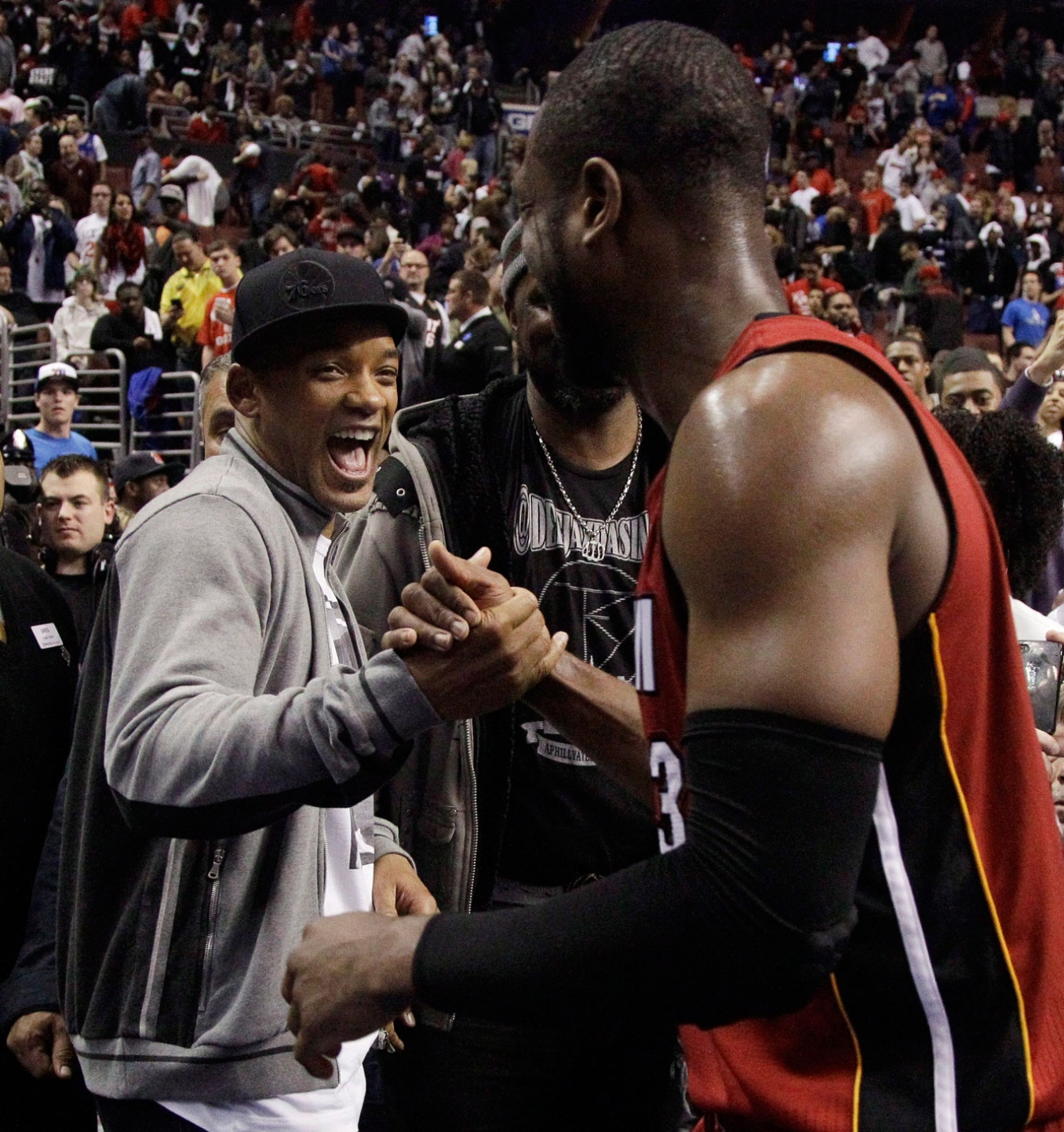 Will Smith shaking hands with Dwyane Wade. Photo: CP