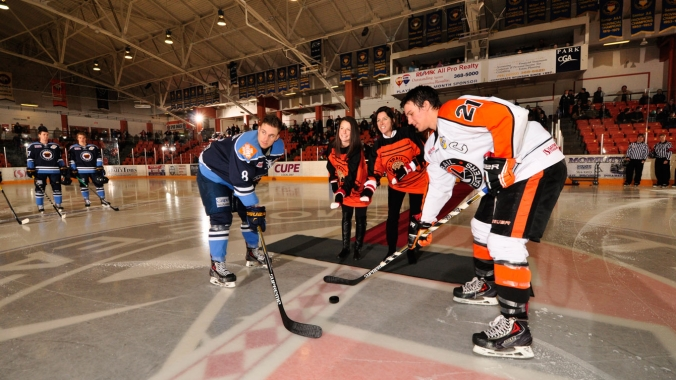 Ward & Sauvageau dropped the ceremonial puck at the Trail Smoke Eaters' game.
