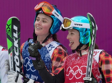 Marielle Thompson (L) and Kelsey Serwa (R) won the gold and silver medals in ski cross.