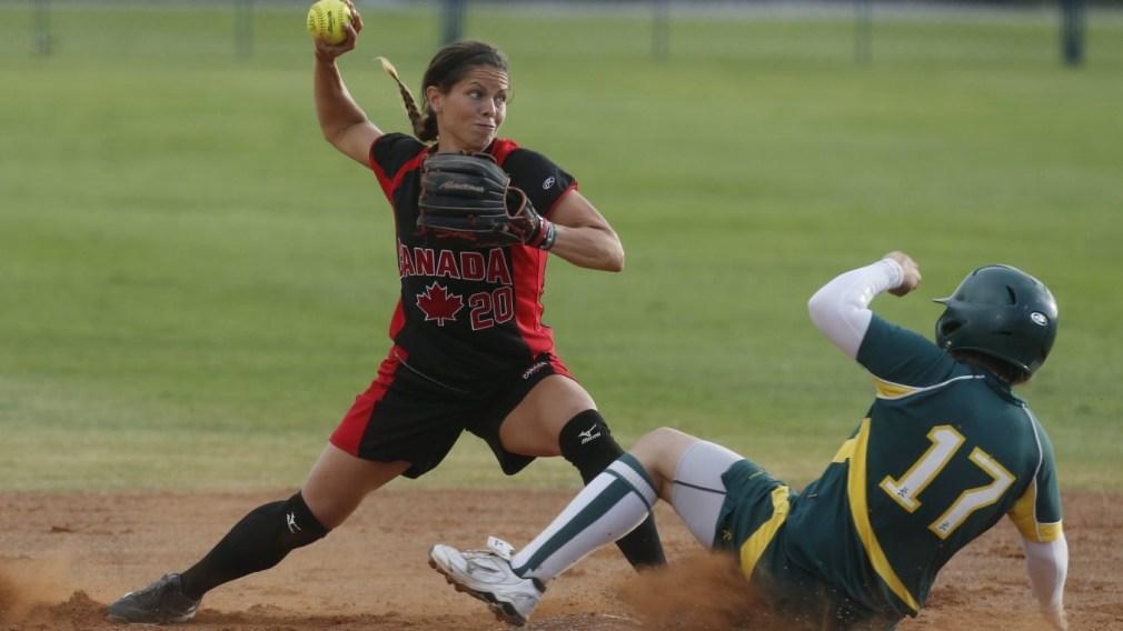 Natalie Wideman throws ball