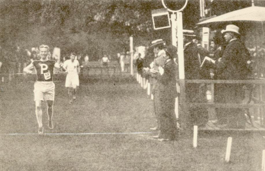 George Orton winning his gold medal at Paris 1900 while wearing his University of Pennsylvania shirt (Photo: upenn.edu)
