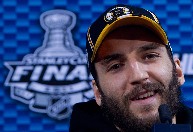 Patrice-Bergeron-2011-Cup-finals-
