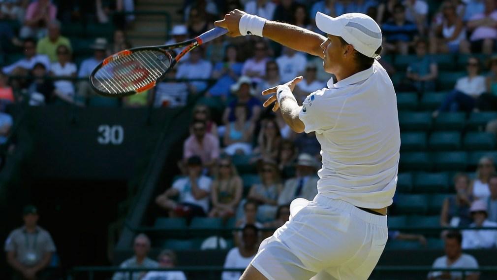 Pospisil exits Wimbledon to a standing ovation at Centre Court