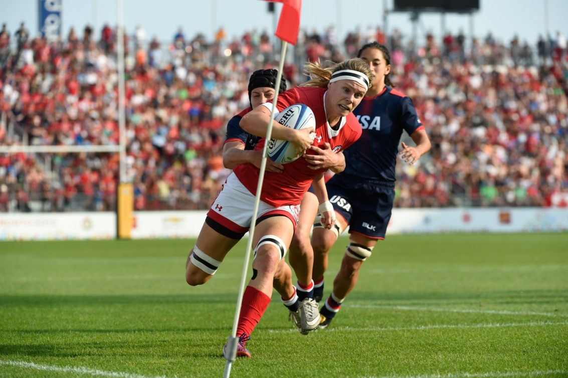 Karen Paquin eyes the try zone before making a final push for the score. (Photo: Jason Ransom)