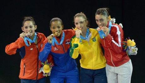 Gabriela Bruna, Ana Villanueva, Aline Souza and Jusleen Virk posing with their medals