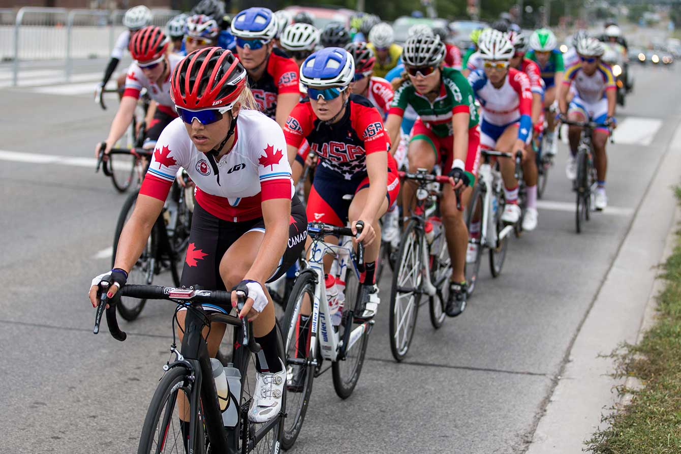 Kirsti Lay leads the pack during the women's road race at TO2015.