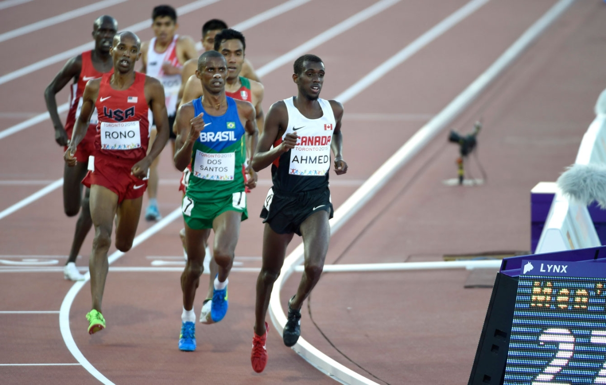 Mo Ahmed ran to gold in the men's 10,000m at Toronto 2015 on July 21, 2015.