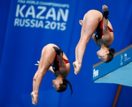 Meaghan Benfeito (left) and Roseline Filion at the 2015 FINA World Championships.