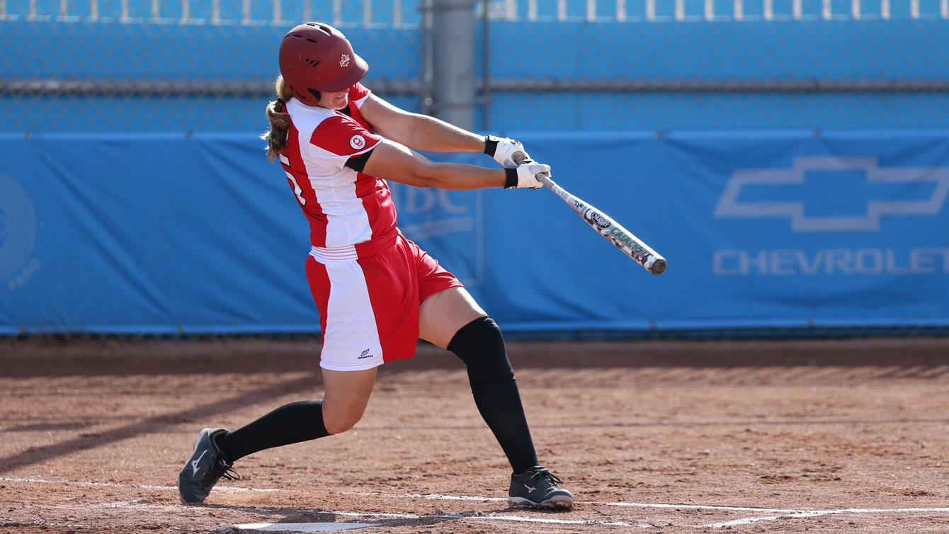 The Canadian women's softball team at bat during TO2015