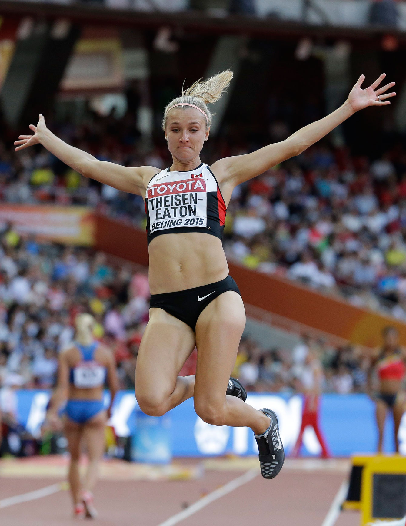 Brianne Theisen-Eaton's long jump of 6.55m at Beijing 2015 put her back in medal contention at the World Championships on August 23, 2015.