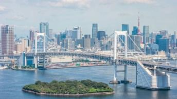 Team-Canada-Tokyo-Rainbow-Bridge-2020
