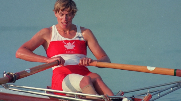 Laumann rowing in taped leg