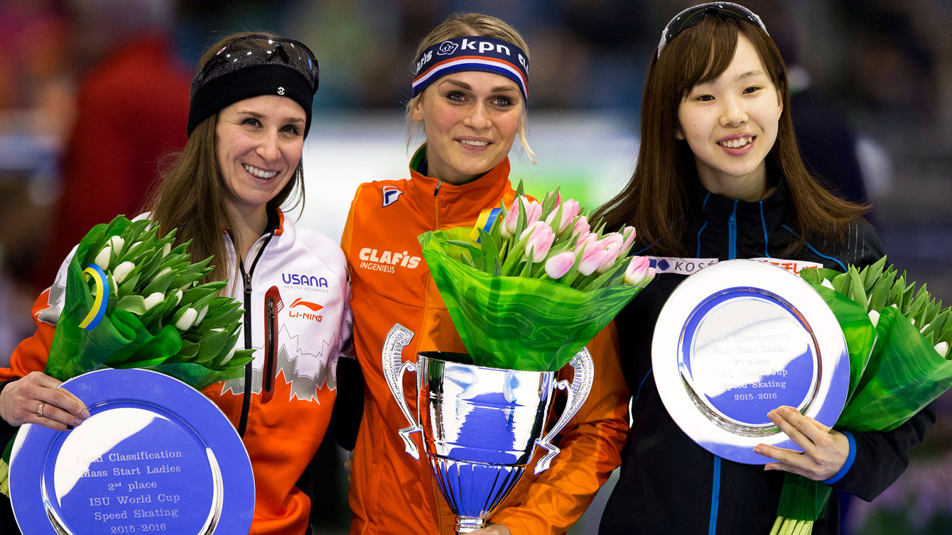Ivanie Blondin (left) with the overall World Cup mass start second place award for the 2015/16 season, received in Heerenveen, Netherlands on March 13, 2016.