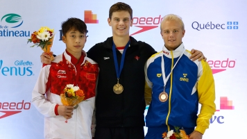 Vincent Riendeau (centre) tops the men's 10m platform podium at the FINA Diving Grand Prix in Gatineau on April 9. (Greg Kolz)