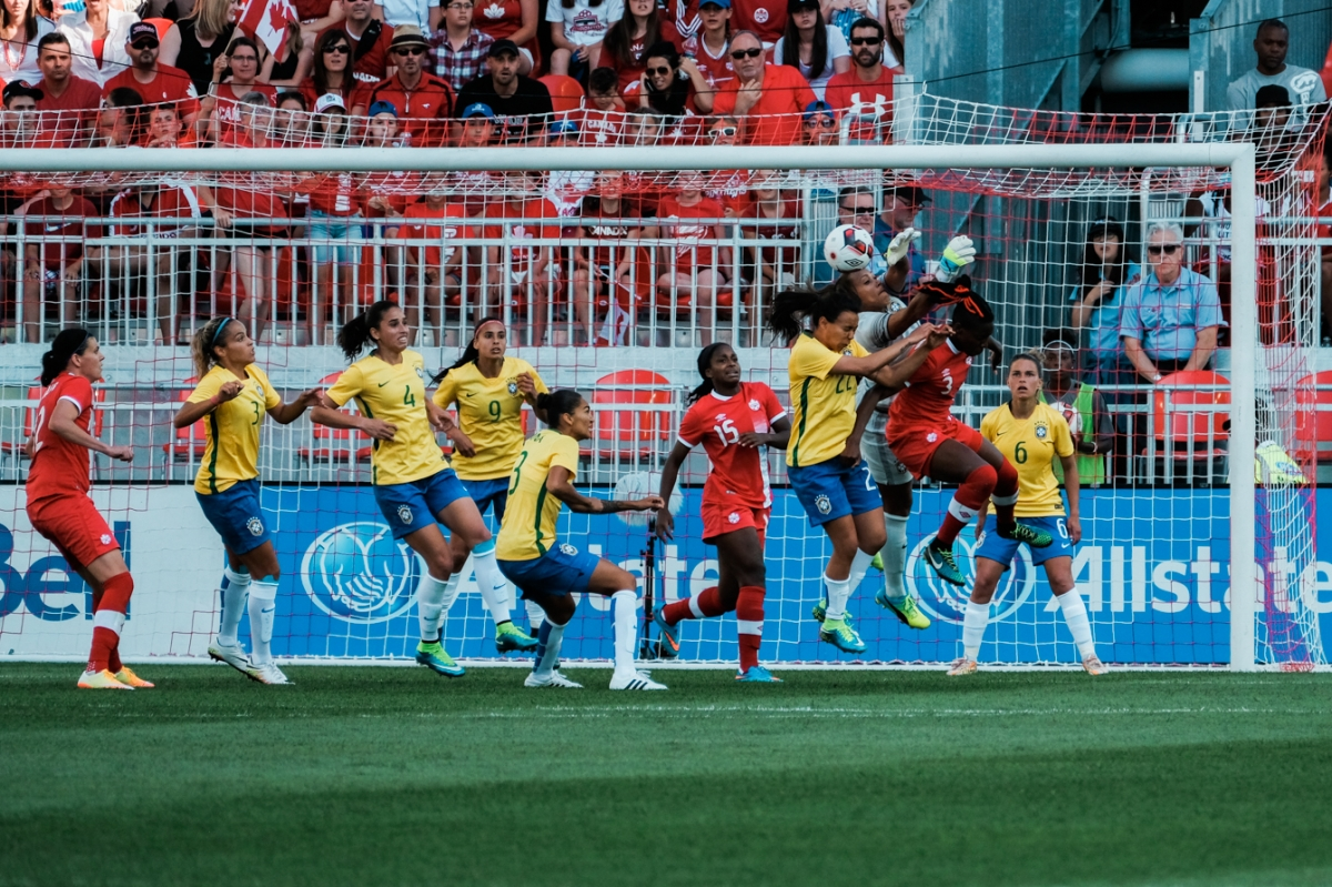 Canada challenging Brazil on a set-piece