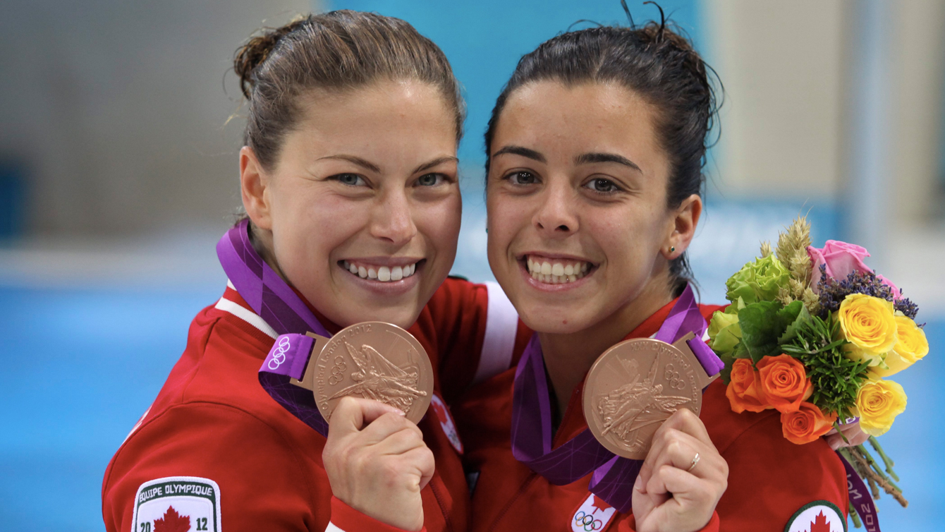 Roseline Filion and Meaghan Benfeito show their bronze medals