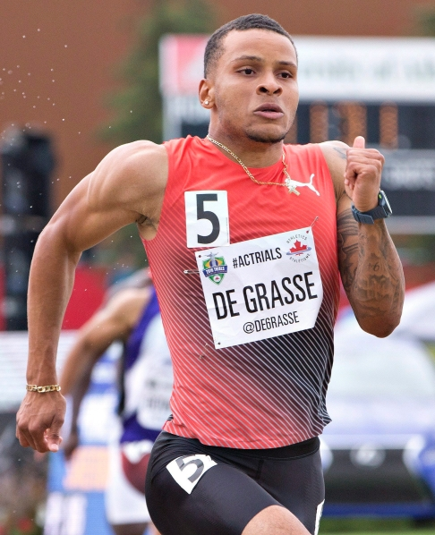 Andre De Grasse leads during the senior men's 200 metre semifinals at the Canadian Track and Field Championships and Selection Trials for the 2016 Summer Olympic and Paralympic Games, in Edmonton, Alta., on Sunday July 10, 2016.THE CANADIAN PRESS/Jason Franson