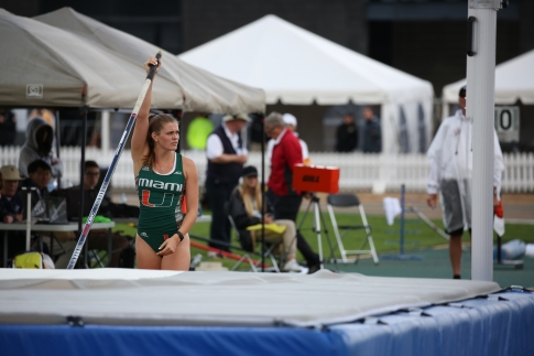 Alysha Newman on competing in pole vault at the Canadian Track and Field Championships and Selection Trials for the 2016 Summer Olympic and Paralympic Games, in Edmonton, Alta. (Steve Boudraeu/COC).