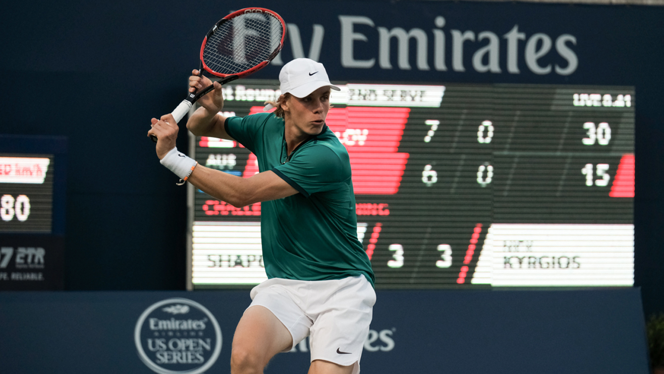 Denis Shapovalov in action against Nick Kyrgios at the Rogers Cup in Toronto on July 22, 2016. (Thomas Skrlj/COC)