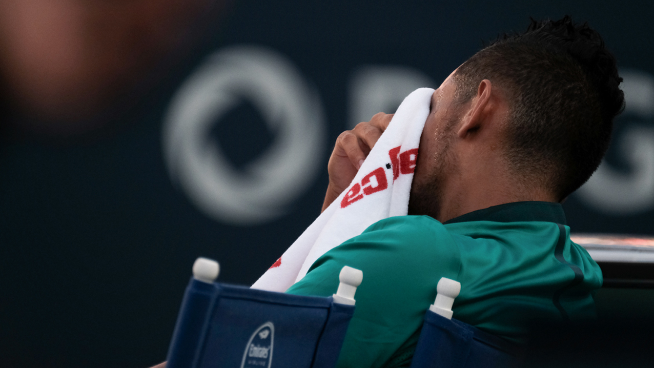 A frustrated Nick Kyrgios takes a time out on July 25, 2016 at the Rogers Cup in Toronto. (Thomas Skrlj/COC)