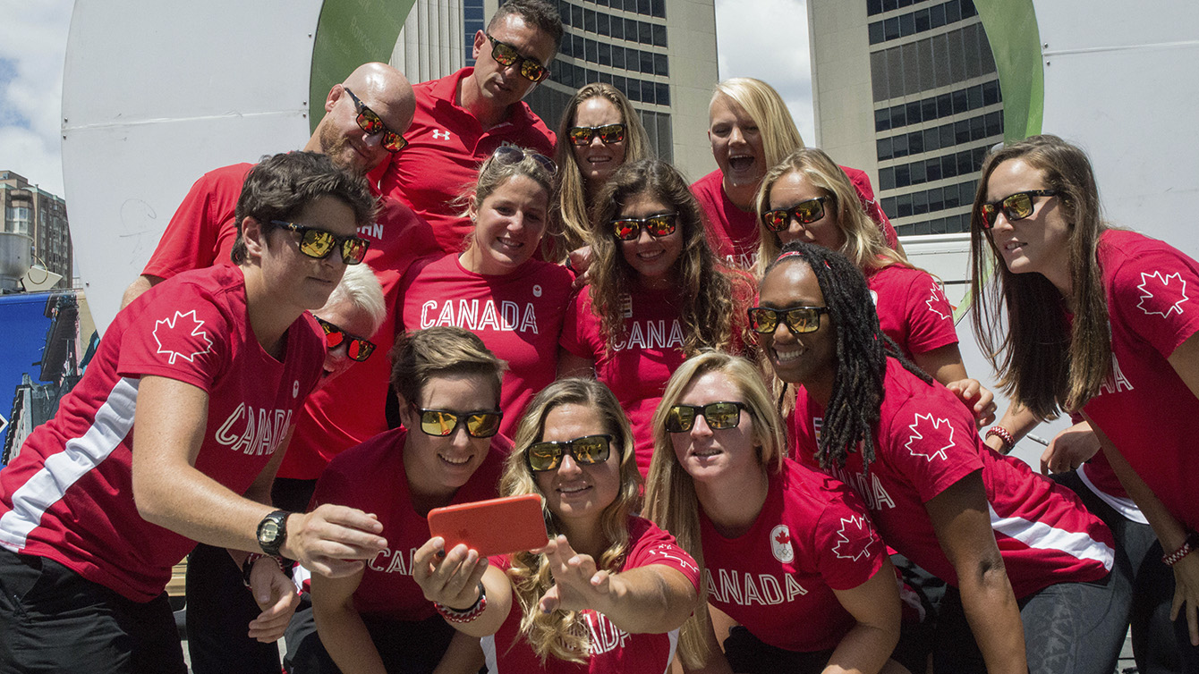 Rio 2016 Rugby Team for Canada after the send-off at Nathan Phillips Square on July 26, 2016. (Tavia Bakowski/COC)