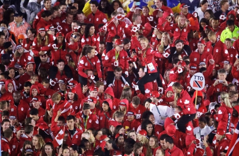 Athletes from Canada march into the closing ceremony in the Maracana stadium at the 2016 Summer Olympics in Rio de Janeiro, Brazil, Sunday, Aug. 21, 2016. (AP Photo/Charlie Riedel)