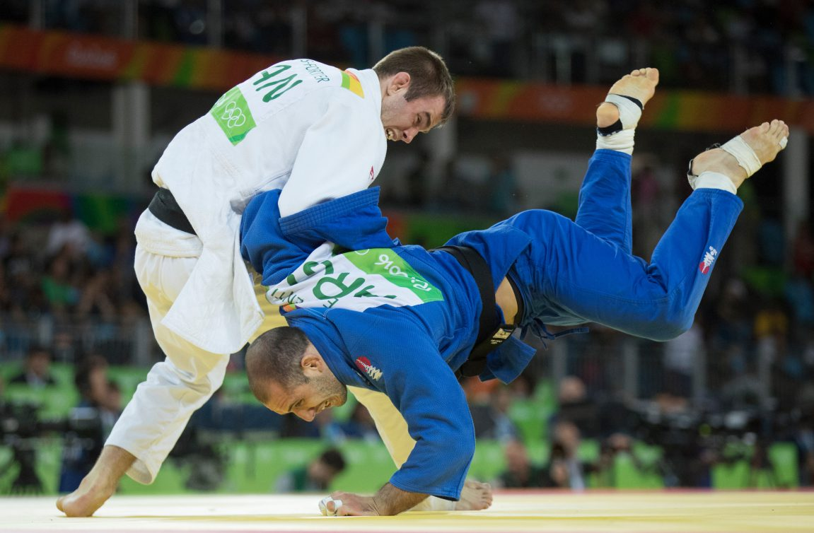 Antoine Valois-Fortier competing in judo