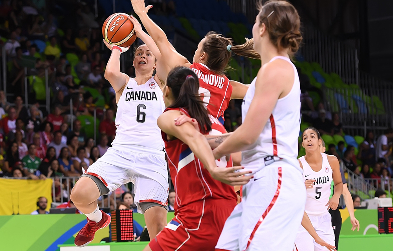 Canada's Shona Thorburn goes for a shot against Serbia at the Rio 2016 women's basketball tournament on August 8, 2016. (Photo: FIBA)