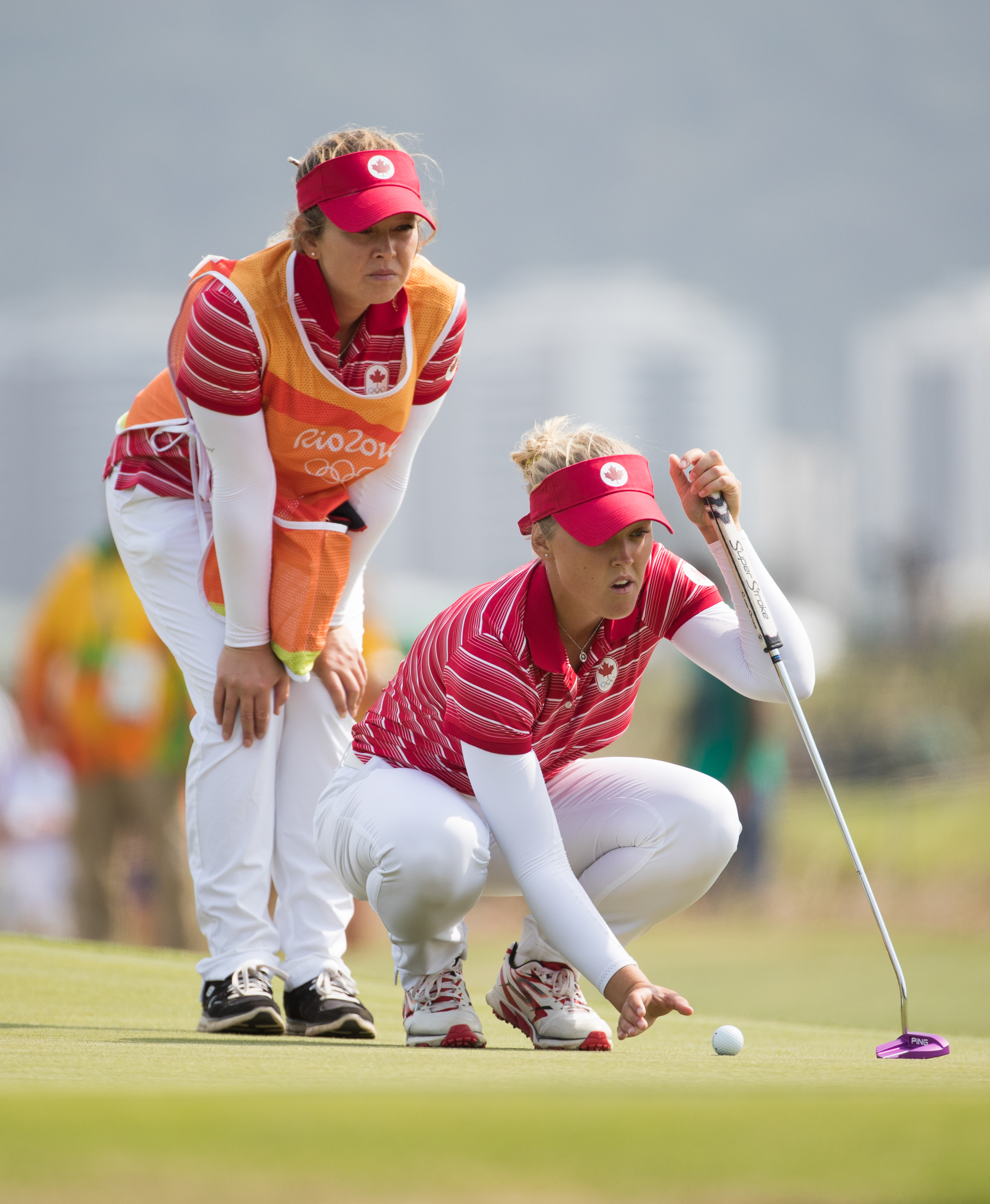 Brooke Henderson competes at Rio 2016