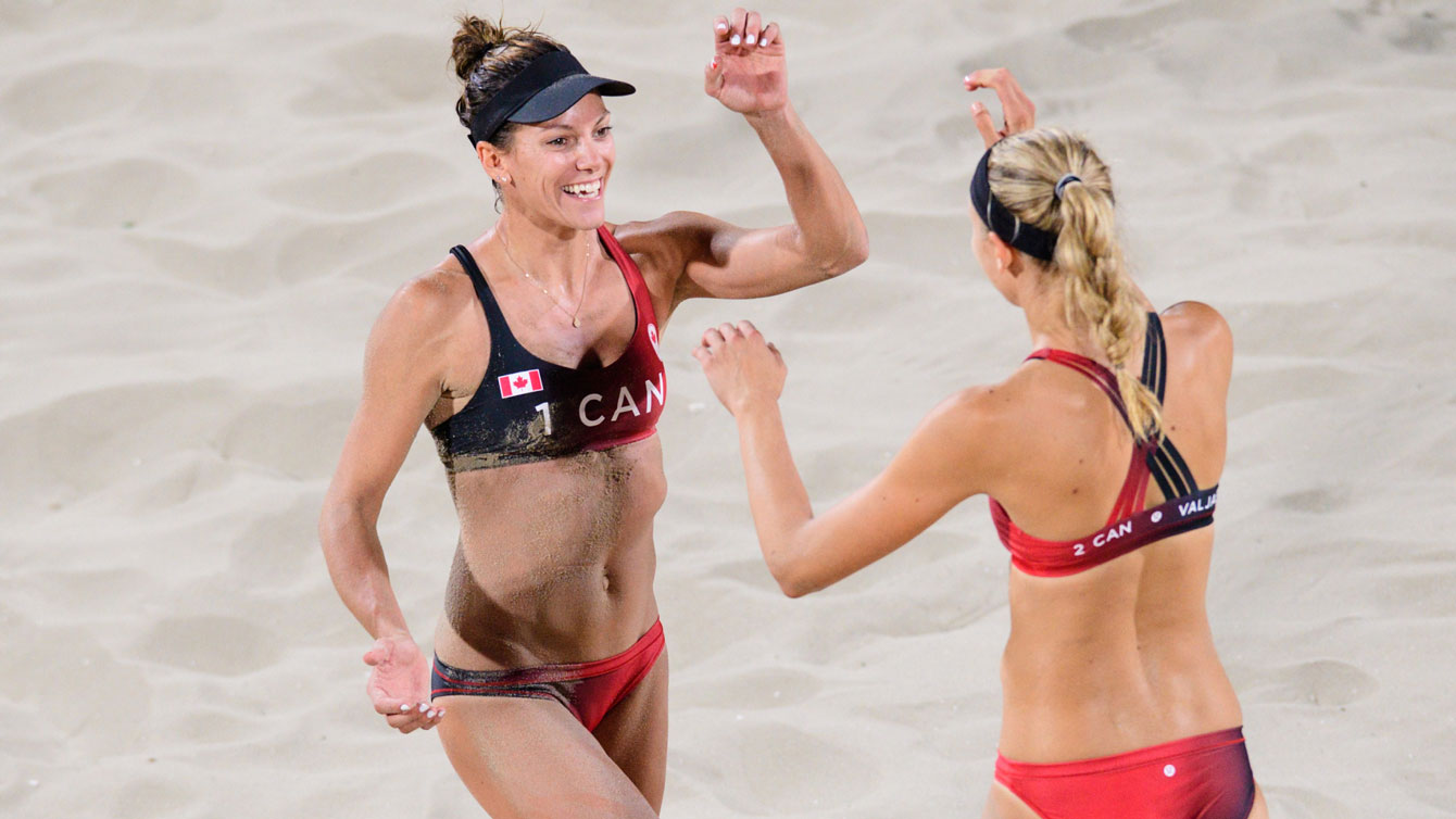 Jamie Broder and Kristina Valjas celebrate the first win at the Rio 2016 beach volleyball tournament / Photo via FIVB