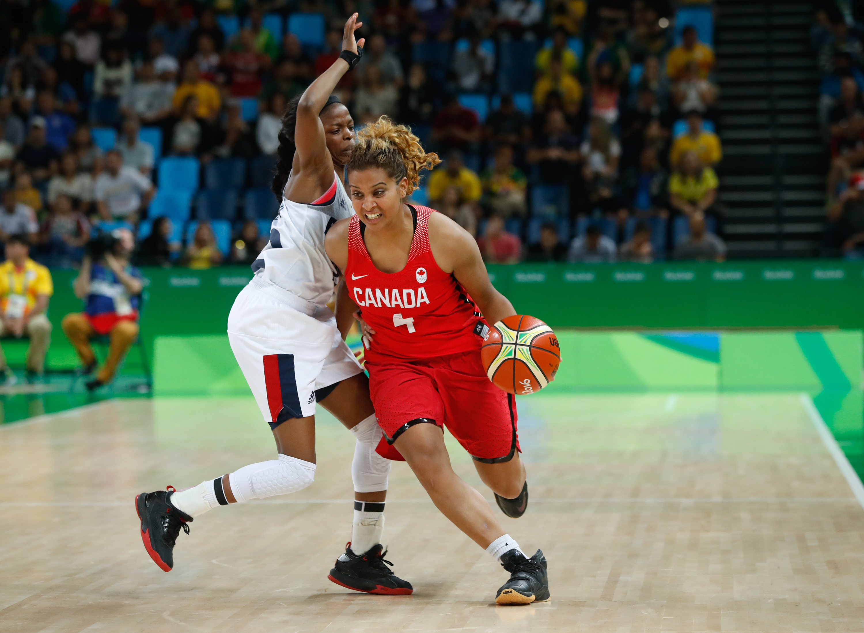 Miah-Marie Langlois competes in the quarterfinals against France during Rio 2016 on August 16, 2016 (COC/Mark Blinch)