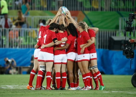 Canada's Women's Rugby Sevens team before their bronze medal match against Great Britain on August 8, 2016 (photo/ Mark Blinch)