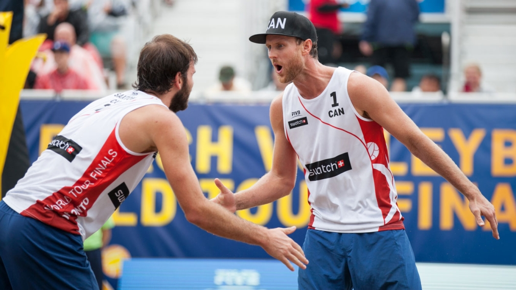 Saxton and Schalk advance to semifinals of FIVB World Tour Finals
