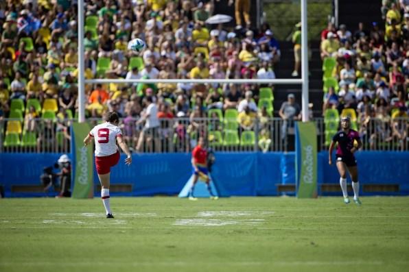 Ghislaine Landry kicks a conversion at Rio 2016 (Photo: Paige Stewart).