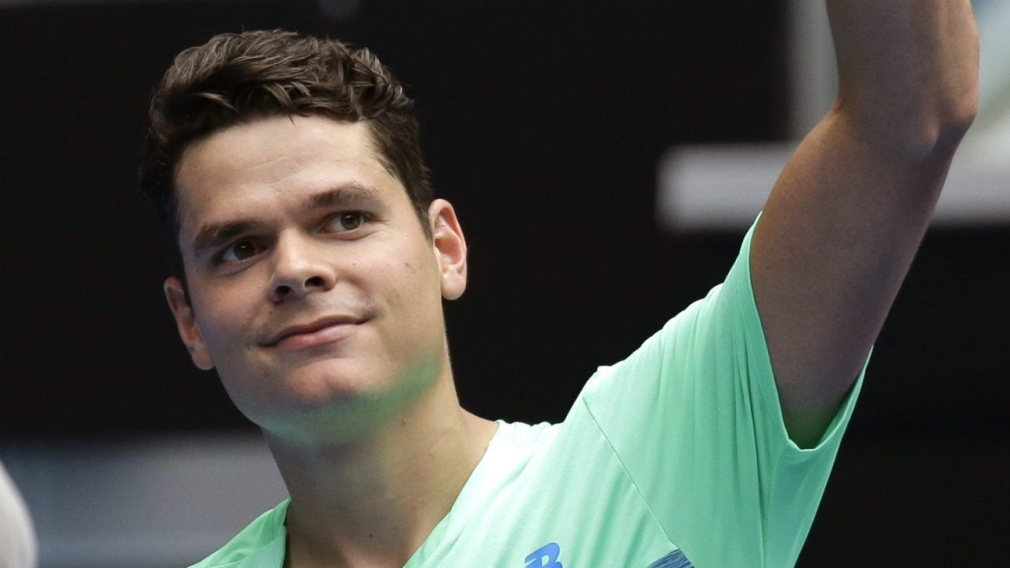 Raonic opens Australian Open with straight sets win