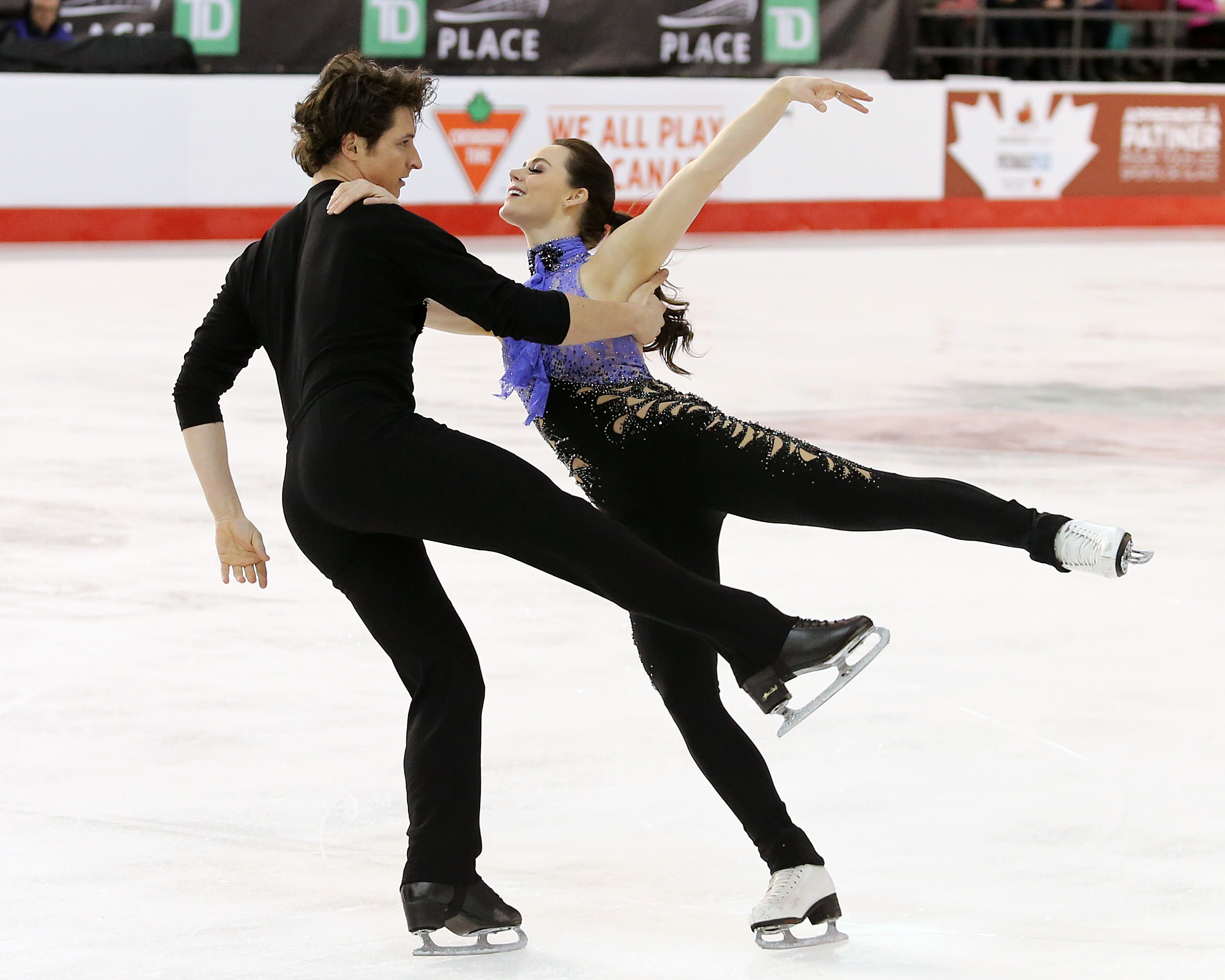 Tessa Virtue and Scott Moir compete in the short dance at the Canadian Tire National Skating Championships, January, 20, 2017 PHOTO: Greg Kolz