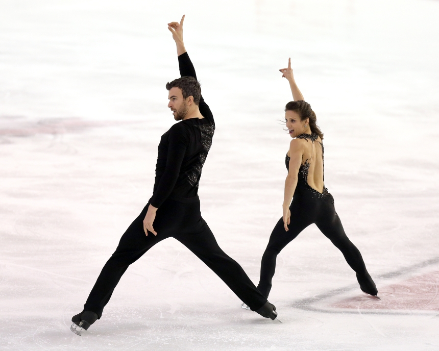 Meagan Duhamel and Eric Radford in the short program at the Canadian Tire National Skating Championships, January 20, 2017 PHOTO: Greg Kolz