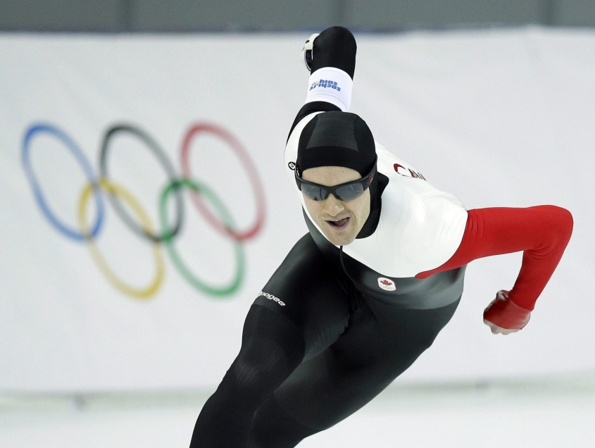Team Canada speed skater Jamie Gregg making a turn during race