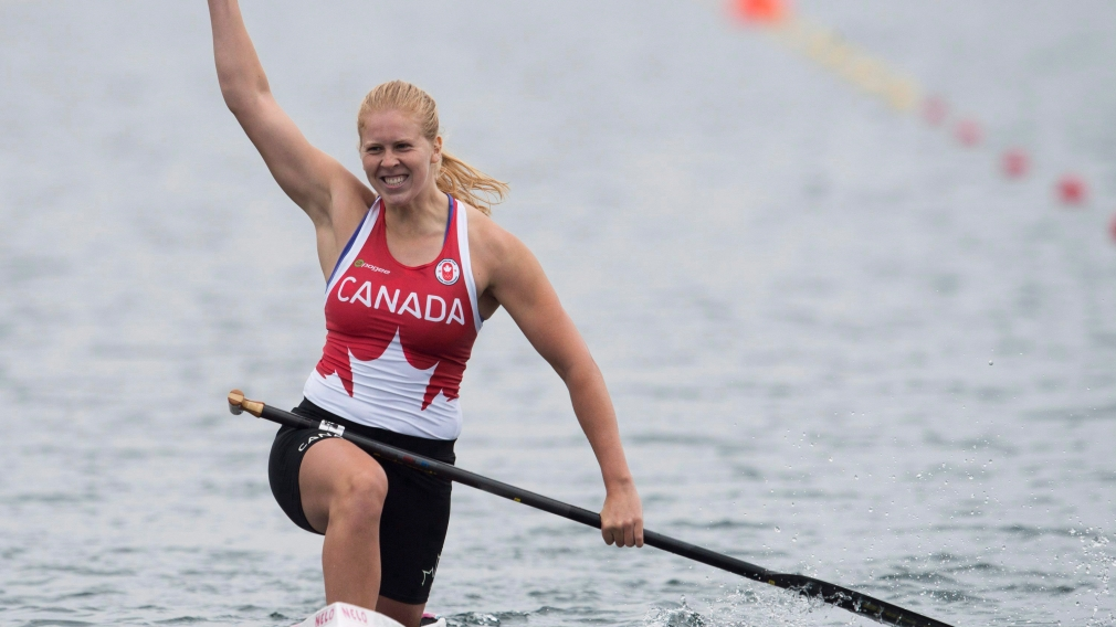 Vincent-Lapointe breaks C-1 200m world record and becomes world champion, again