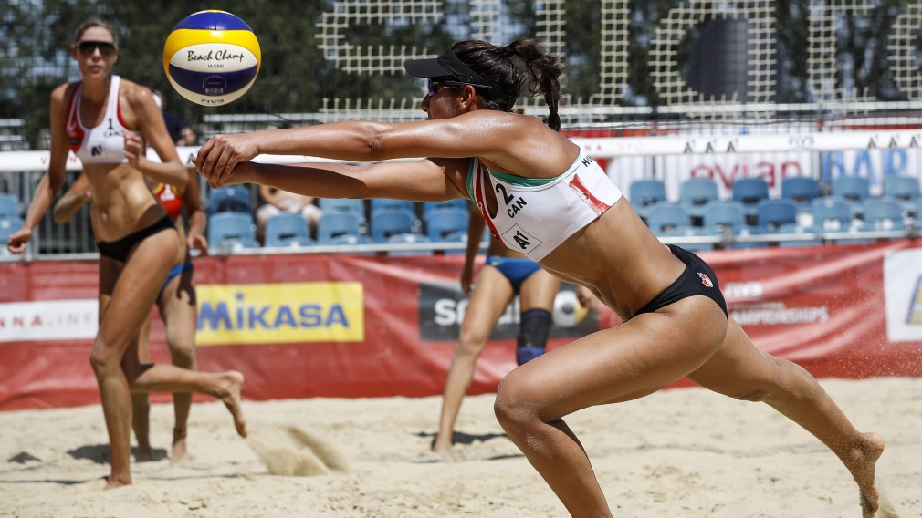 Beach Volleyball: Canadian women advance to elimination rounds at worlds