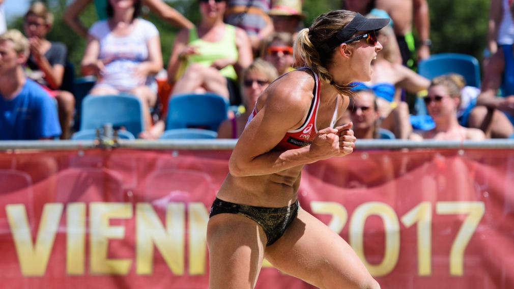 Canadians continue success at FIVB Beach Volleyball World Championships